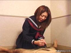 Hawt Nanako Hatsushima kinky handjob