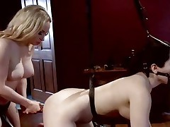 Dominatrix Aiden Starr can't live without toying her partners booty