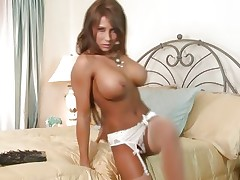 Gorgeous Madison Ivy shows of her perfectly round tits