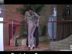 Tall hottie parts her mile-lengthy legs in blue patterned hose for a fuck
