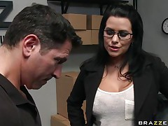 See that hot brunette hair seducing her employee and making him touch her large tits to make her feel good. Look how he plays with her bazookas from behind and how that babe makes her horny. Is that babe going to suck on some hard 10-Pounder or will that babe take it in her tight pussy?